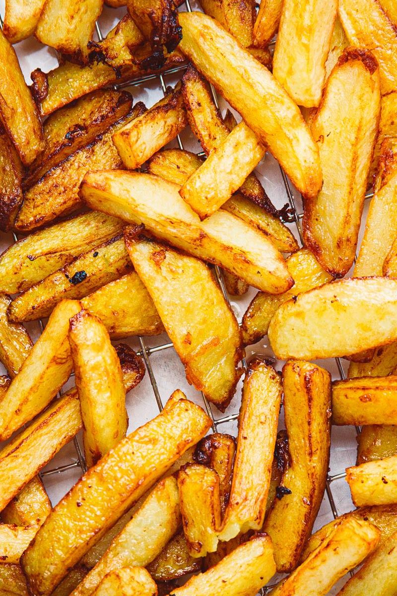 deep fried chips close