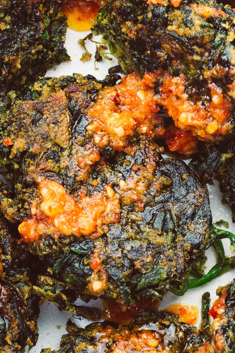 spinach fritters zoomed chilli sauce
