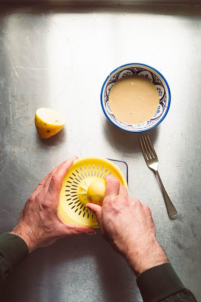 juicing lemon for tahini
