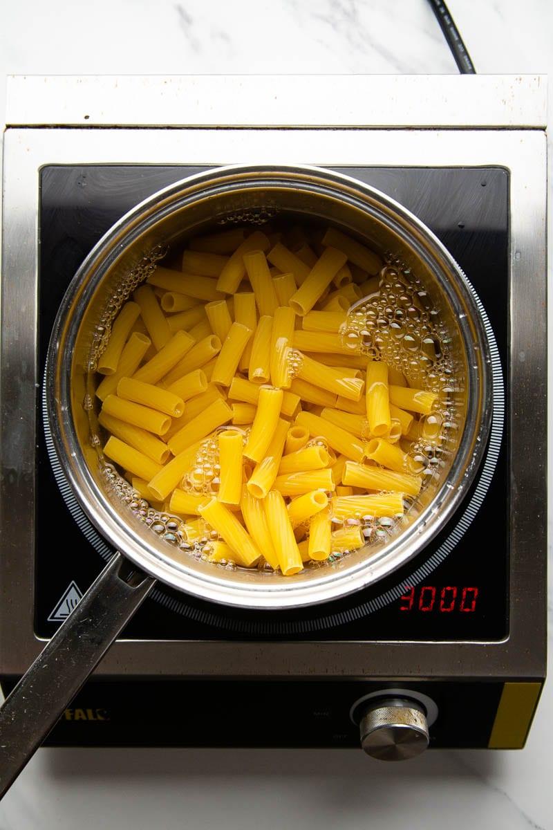 cooking rigatoni